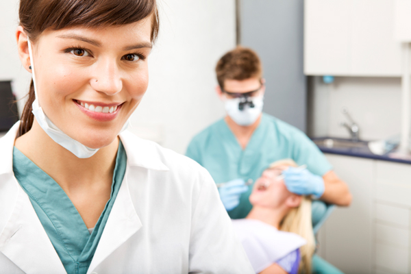 Checkups & Cleans – What Does Your Dentist Do?