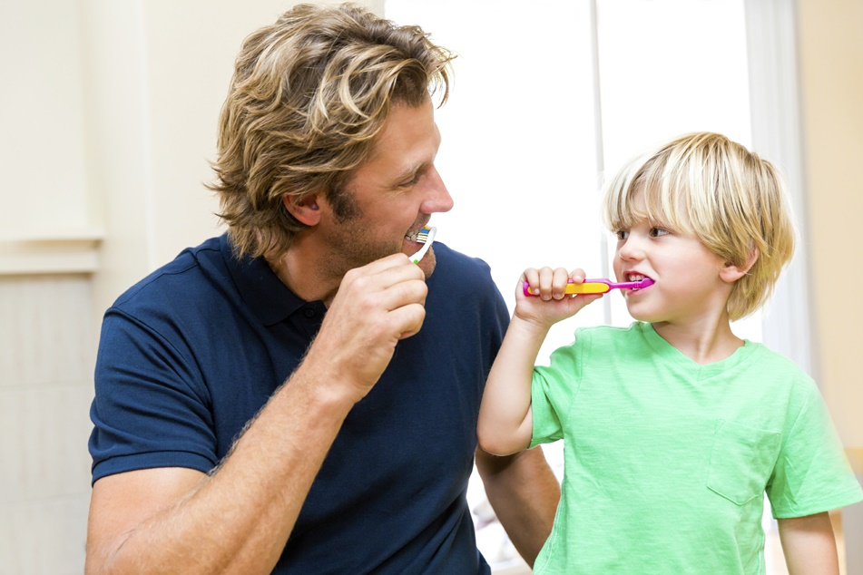 Teaching your young child effective tooth brushing techniques for life